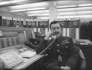 Dr._Strangelove_-_Group_Captain_Lionel_Mandrake
