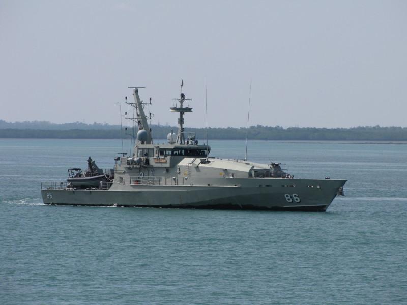 HMAS_Albany_2010