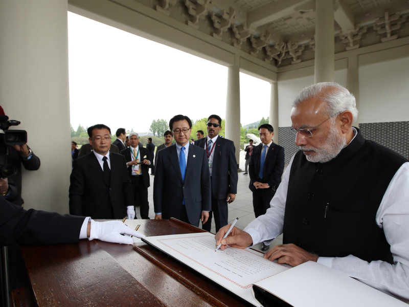 Modi vists Korea