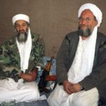 Osama bin Laden (L) sits with his adviser and purported successor Ayman al-Zawahiri, an Egyptian linked to the al Qaeda network, during an interview with Pakistani journalist Hamid Mir (not pictured) in an image supplied by the respected Dawn newspaper November 10, 2001. Al Qaedas elusive leader Osama bin Laden was killed in a mansion outside the Pakistani capital Islamabad, U.S. President Barack Obama said on May 1, 2011. REUTERS/Hamid Mir/Editor/Ausaf Newspaper for Daily Dawn (AFGHANISTAN - Tags: POLITICS CONFLICT IMAGES OF THE DAY). (Foto: HO/Scanpix 2011)